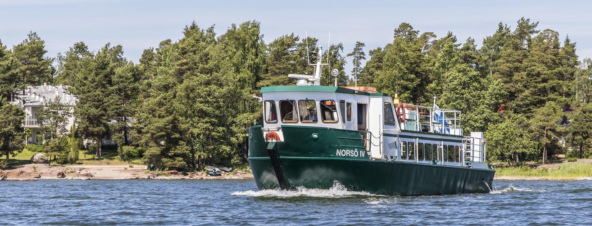 Kuvistuskuva: reittivene merellä.