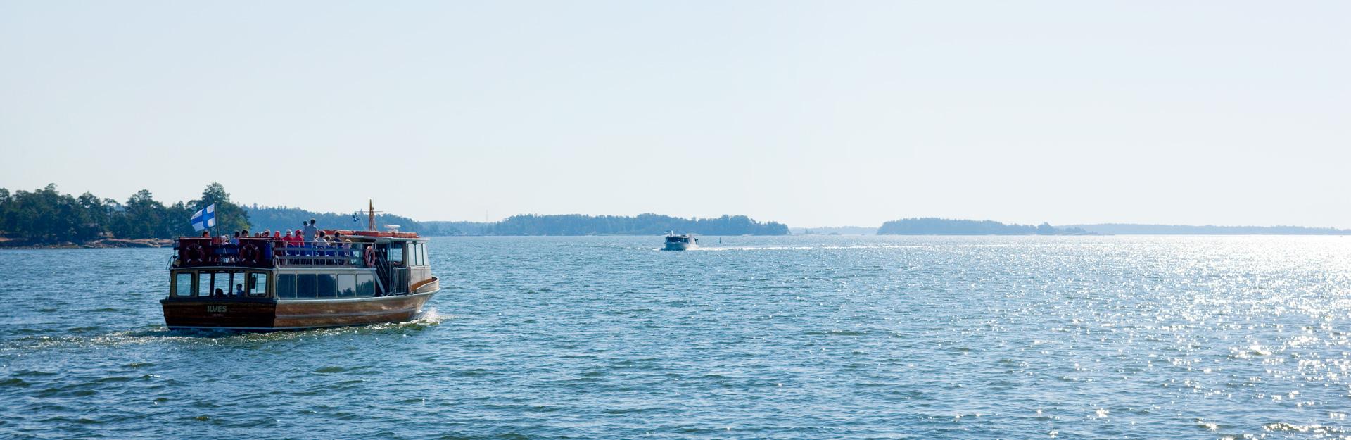 Saaristovene merellä